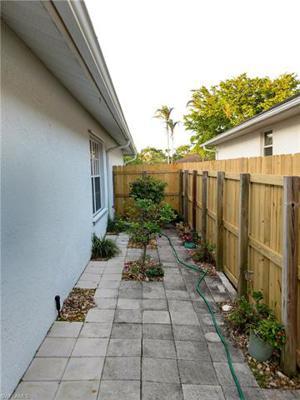 722 103rd Ave N, Naples, FL 34108
