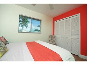 726 97th Ave N, Naples, FL 34108