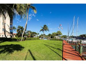 2170 Gulf Shore Blvd N 52e, Naples, FL 34102