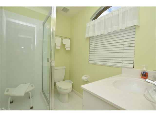 133 Vista Ln, Naples, FL 34119