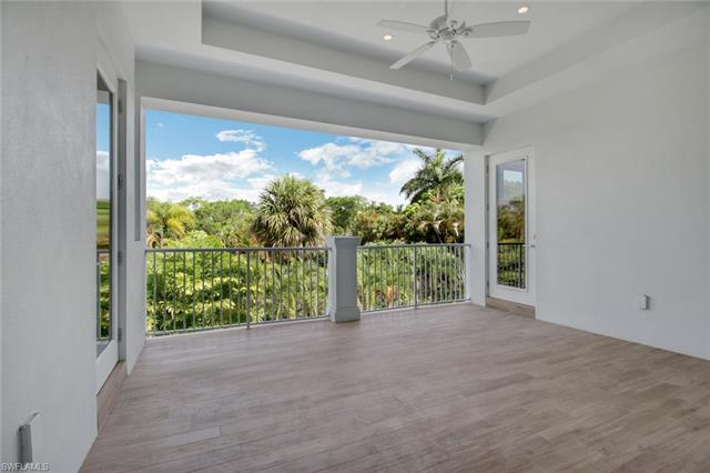 725 Regatta Rd, Naples, FL 34103