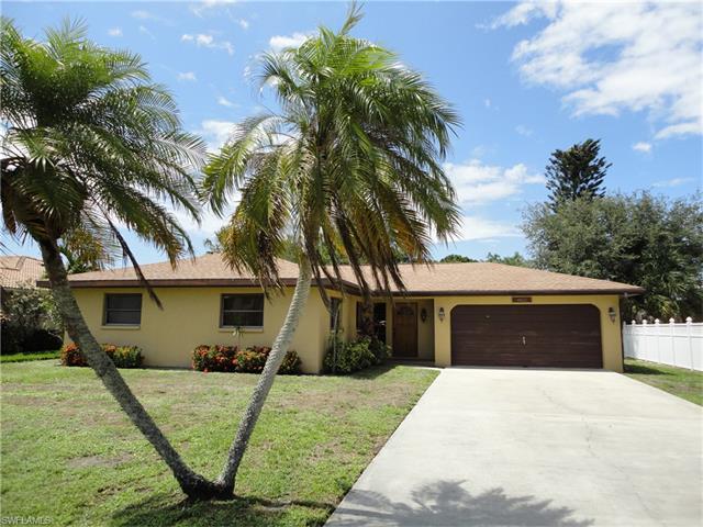 4822 Regal Dr, Bonita Springs, FL 34134