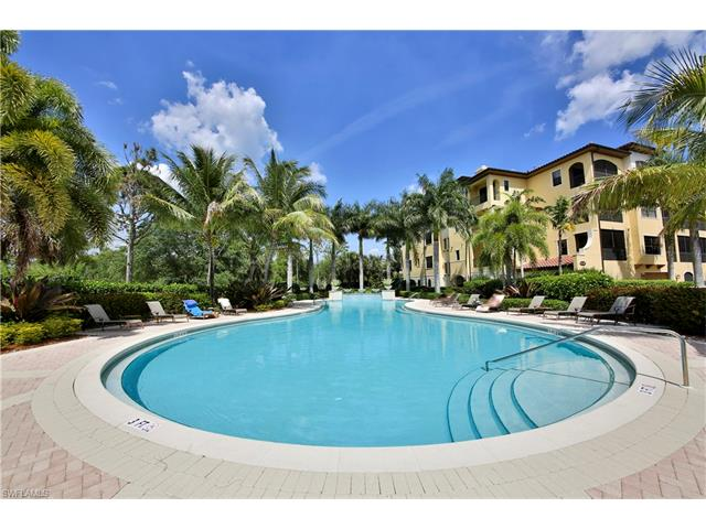2546 Marquesa Royale Ln 7-301, Naples, FL 34109