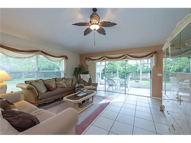 772 101st Ave N, Naples, FL 34108