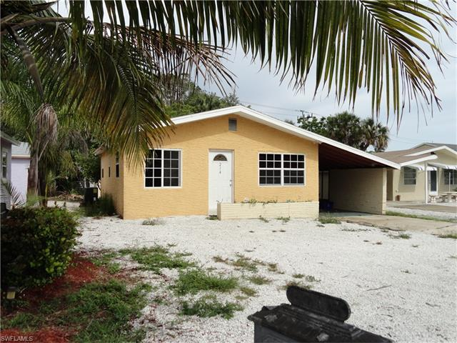 214 Fairweather Ln, Fort Myers Beach, FL 33931