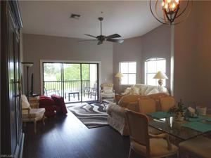 210 Vintage Cir 205, Naples, FL 34119