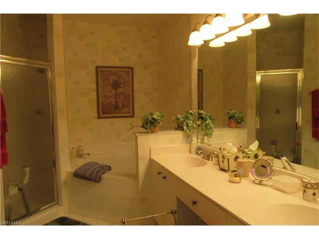 605 Lalique Cir 806, Naples, FL 34119