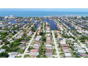 548 105th Ave N, Naples, FL 34108