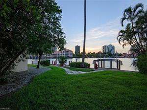 323 Neapolitan Way, Naples, FL 34103