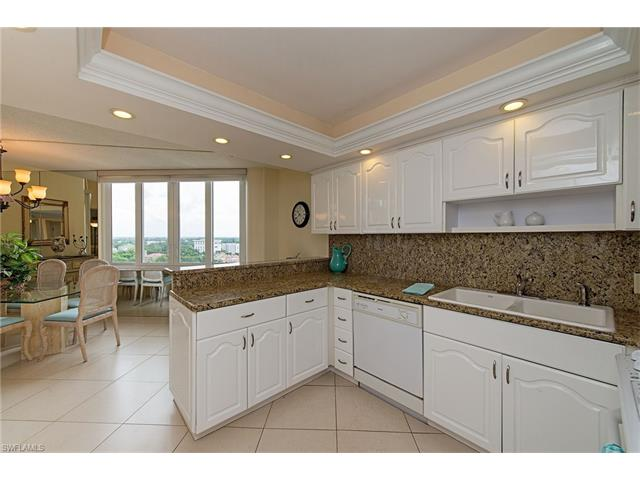 4041 Gulf Shore Blvd N 1109, Naples, FL 34103