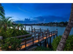 777 Kings Town Dr, Naples, FL 34102