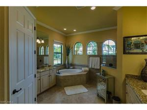 9580 Siracusa Ct, Naples, FL 34113