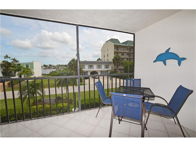 260 Southbay Dr 108, Naples, FL 34108