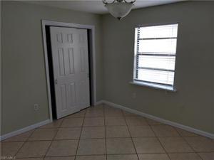 814 109th Ave N, Naples, FL 34108