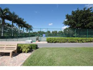 1500 Mainsail Dr 7, Naples, FL 34114