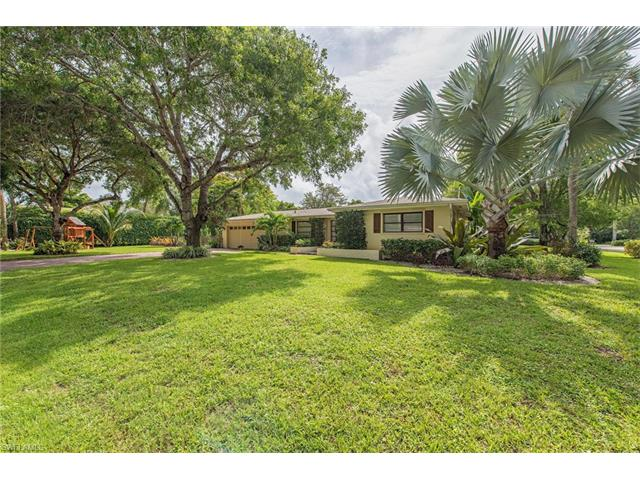 1115 Diana Ave, Naples, FL 34103