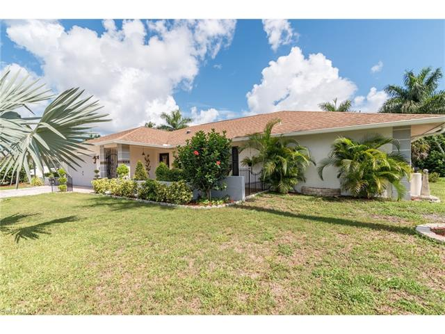 373 Saint Andrews Blvd, Naples, FL 34113