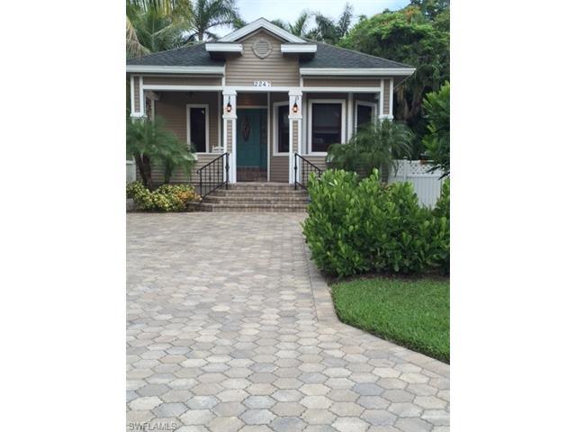 2247 Carter St, Naples, FL 34112