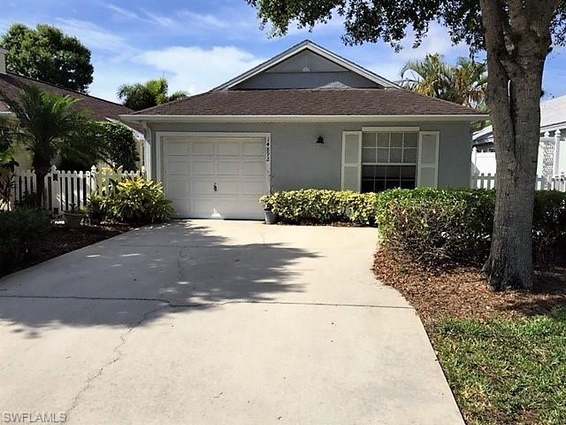 14892 Sterling Oaks Dr, Naples, FL 34110