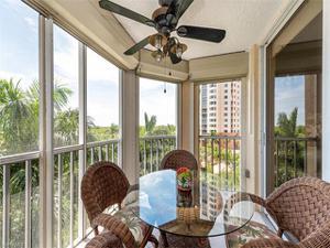 6585 Nicholas Blvd 401, Naples, FL 34108