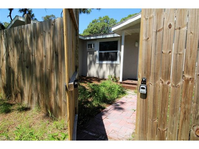 3209 Broadway, Fort Myers, FL 33901