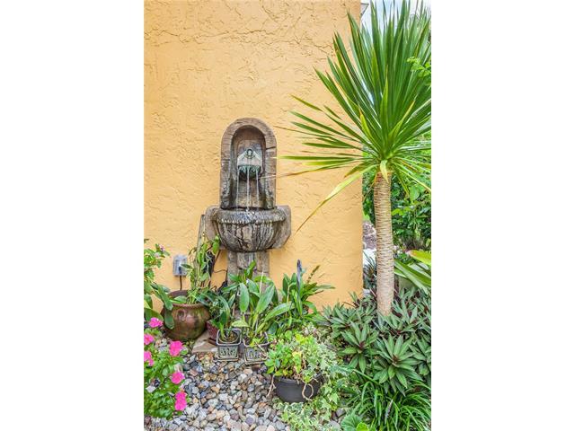 800 River Point Dr 536, Naples, FL 34102