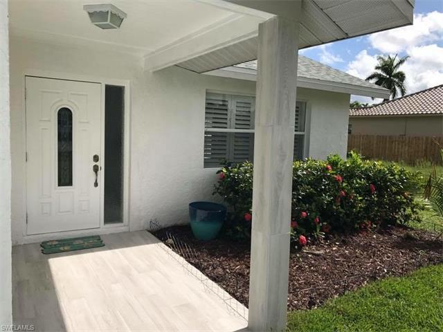 619 96th Ave N, Naples, FL 34108