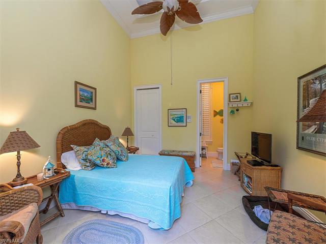 3137 Terramar Dr, Naples, FL 34119