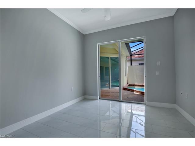 3391 Sandpiper Way, Naples, FL 34109