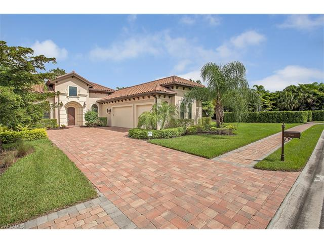 7461 Lantana Cir, Naples, FL 34119