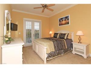 8031 Players Cove Dr 8-202, Naples, FL 34113