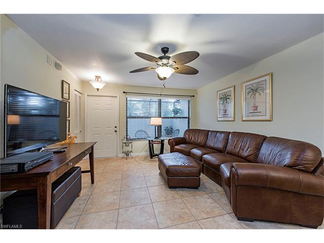 81 Emerald Woods Dr M5, Naples, FL 34108