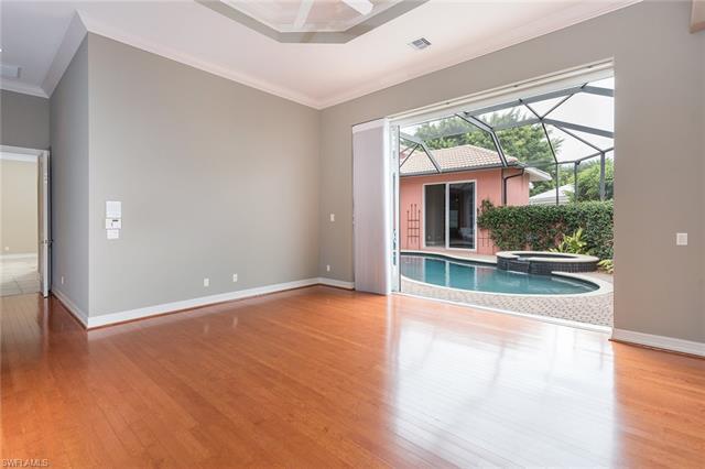 15498 Whitney Ln, Naples, FL 34110