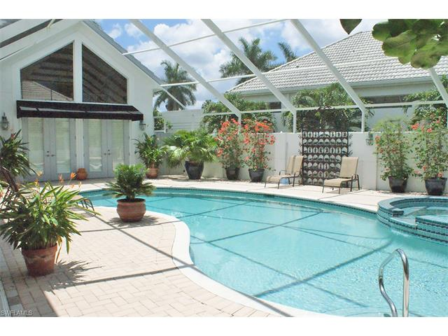 105 Greenfield Ct, Naples, FL 34110