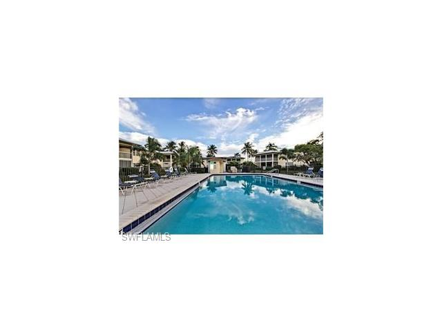 215 Palm Dr 215-2, Naples, FL 34112