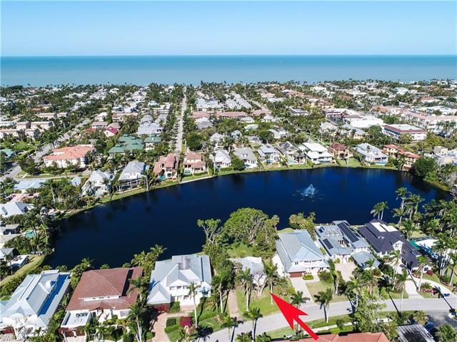 678 East Lake Dr, Naples, FL 34102