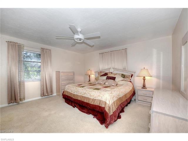 292 Sharwood Dr, Naples, FL 34110