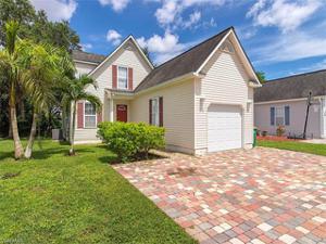 513 Leawood Cir, Naples, FL 34104
