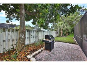184 Palm View Dr, Naples, FL 34110