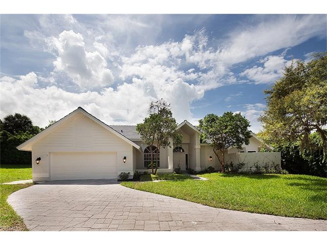 812 Willowwood Ln, Naples, FL 34108