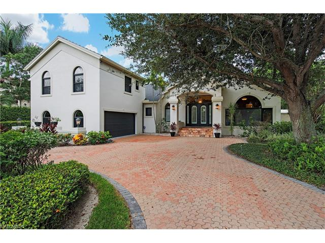 446 Rudder Rd, Naples, FL 34102