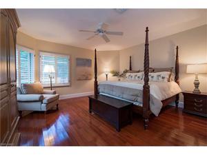 446 Rudder Rd, Naples, FL 34102