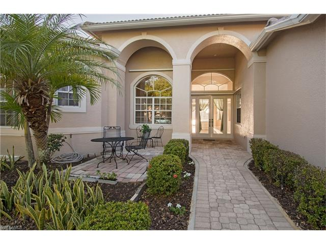 3235 Potomac Ct, Naples, FL 34120
