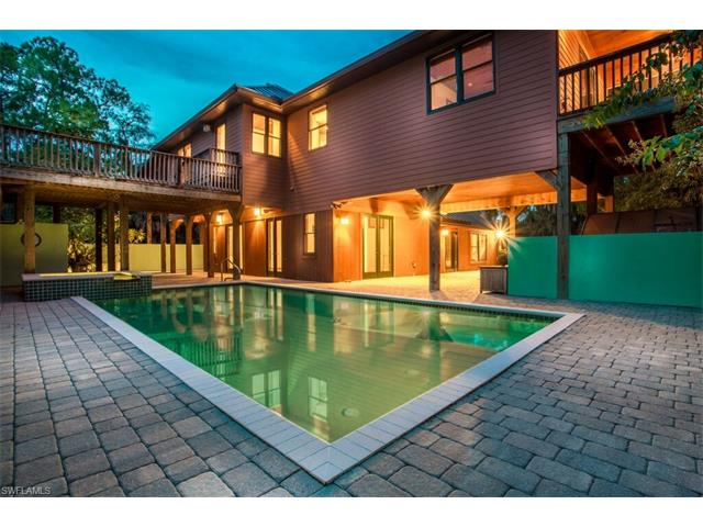 1110 Jung Blvd E, Naples, FL 34120