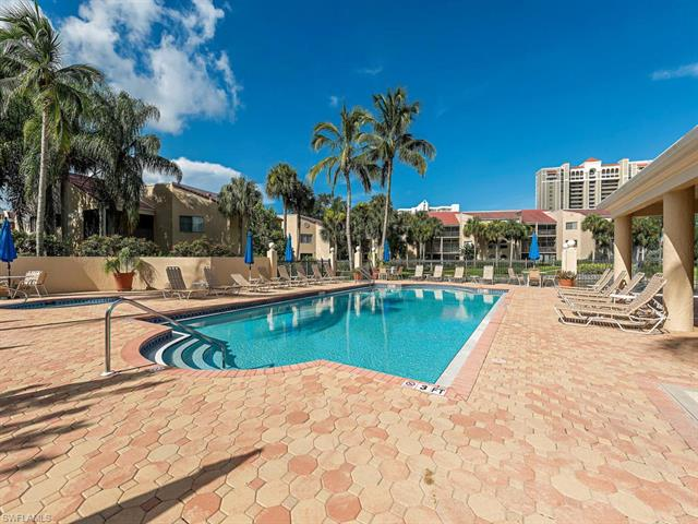 6525 Valen Way D-304, Naples, FL 34108