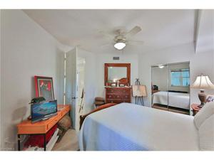 300 Dunes Blvd 5, Naples, FL 34110