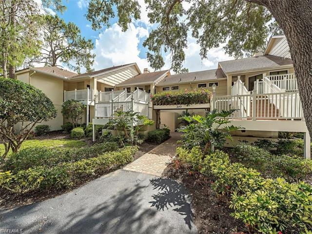 206 Courtside Dr B-202, Naples, FL 34105