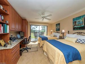 206 Courtside Dr B-202, Naples, FL 34105