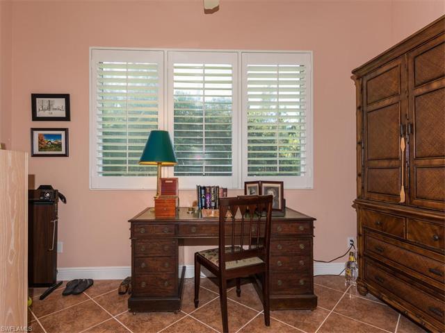 2326 Magnolia Ln 2, Naples, FL 34112
