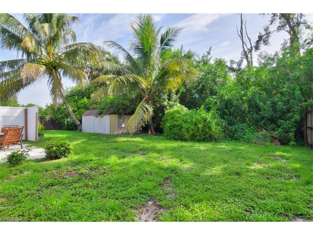 18517/18519 Iris Rd, Fort Myers, FL 33967